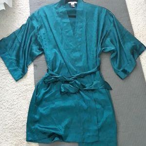 Victoria secret kimono style robe sz S/M